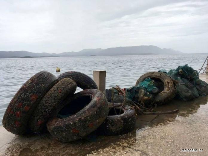 Akcija čišćenja podmorja Komarne