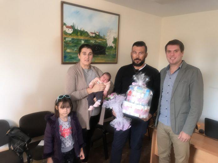 Načelnik Nikola Krstičević i obitelj Šetka